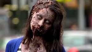 appel à textes toxic-world des éditions Walrus : femme zombie